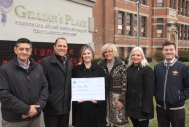 Mayor's Invitational Golf Tournament donates $10,000 to Gillian's Place